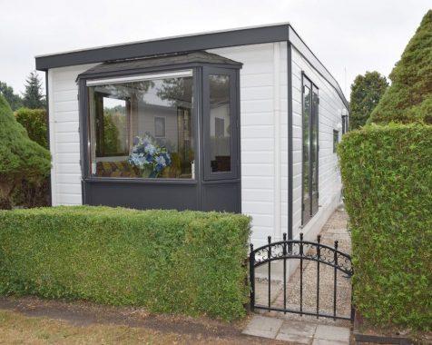 Prachtig ruim chalet met 2 slaapkamers met zonnige tuin op rustig 45 plus chaletpark THE HAP in Voorthuizen (5)