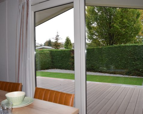 Dubbel chalet 50 vierkante meter met onderhoudsarme tuin en eigen parkeerplaats (7)