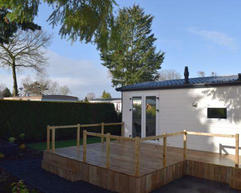 Prachtig nieuw chalet, compleet gemeubileerd in groene omgeving met onderhoudsarme tuin te zien op Chaletpark THE HAP in Voorthuizen (7)