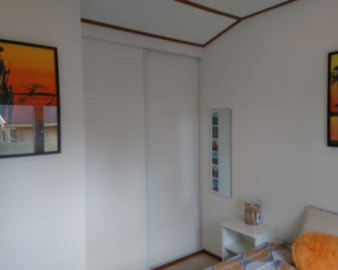 Prachtige chalet met 2 slaapkamers instapklaar met onderhoudsarme uit op rustig 45plus park in Voorthuizen (14)